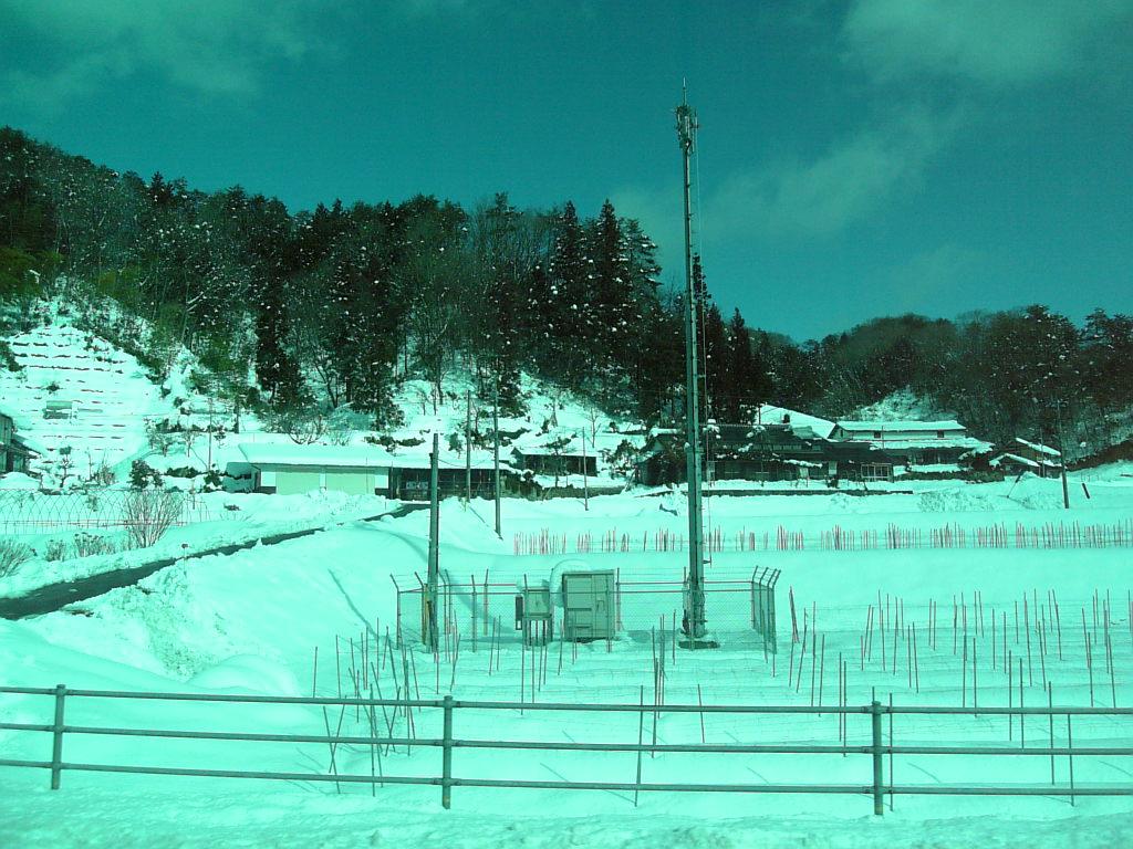 県境は雪国