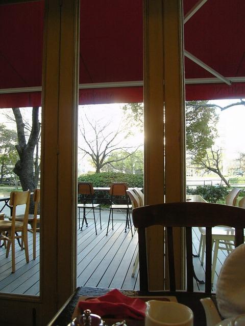 ムッシムパネン窓風景